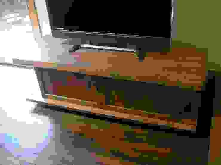 赤羽M邸-TV台 オリジナルな 家 の アイプランニング オリジナル 木 木目調