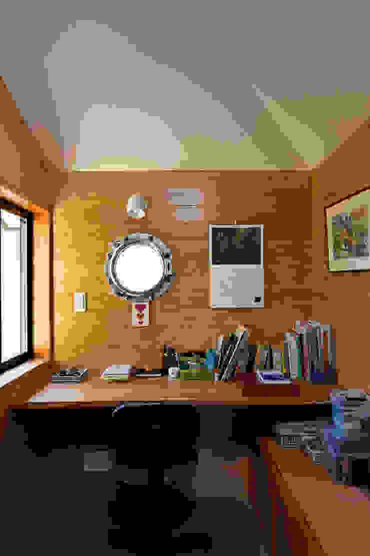 赤羽M邸-2階書斎 オリジナルな 家 の アイプランニング オリジナル 木 木目調