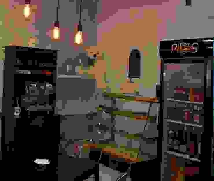Zona de cafetería Gastronomía de estilo industrial de IN BIANCO Industrial
