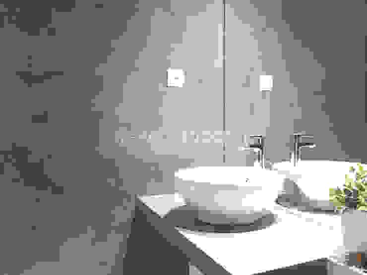 Salle de bain minimaliste par Topcret Minimaliste