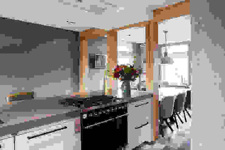 Keuken stoer eiken hout met werkplek Industriële keukens van Wood Creations Industrieel
