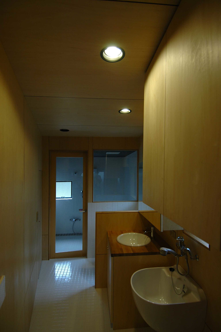 M+2 Architects & Associates Baños de estilo moderno Madera Acabado en madera