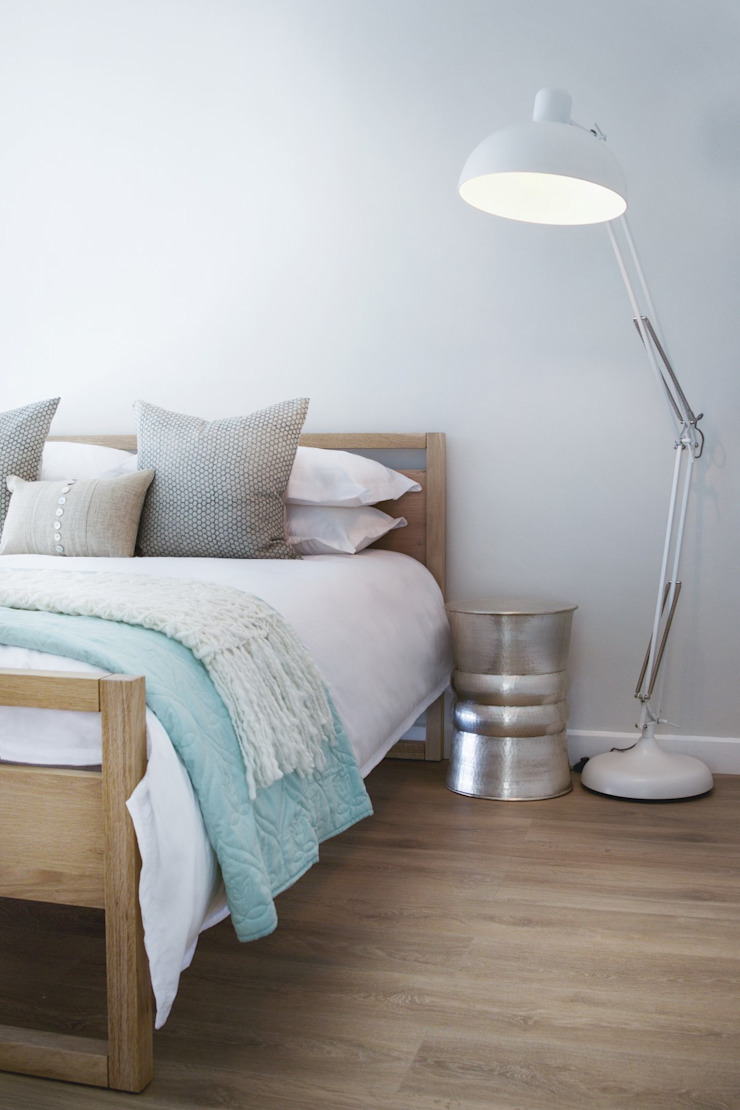 Guest bedroom 2 Modern style bedroom by Salomé Knijnenburg Interiors Modern
