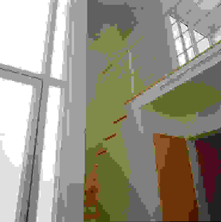 Casa Huespedes/Estudio Estudios y despachos modernos de PI Arquitectos Moderno