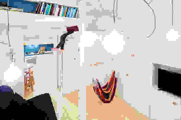 23bassi studio di architettura BedroomWardrobes & closets