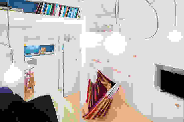 23bassi studio di architettura BedroomBeds & headboards