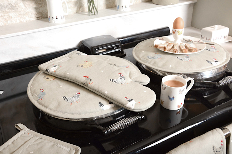 Sophie Allport's 'Lay a little egg' collection de Sophie Allport Rural Algodón Rojo