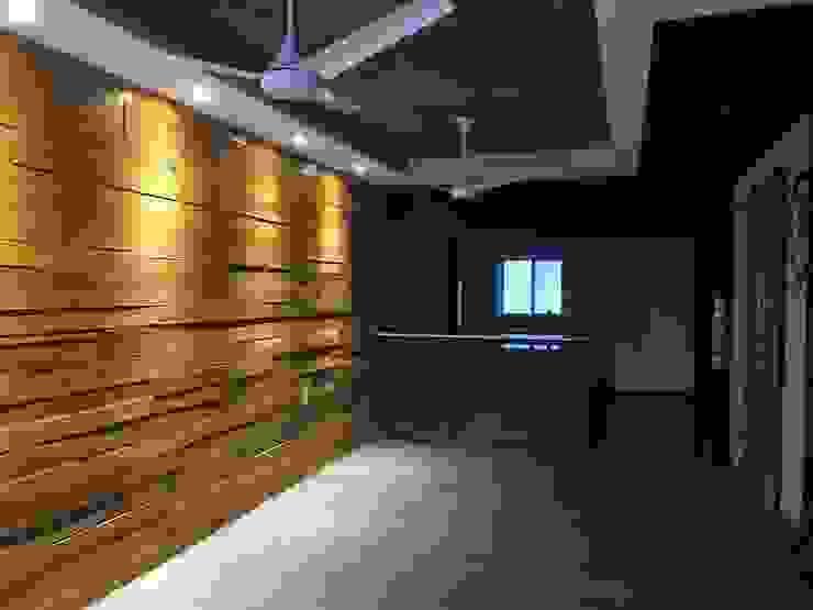 DEPARTAMENTO TRINITY Salones modernos de MONACO GRUPO INMOBILIARIO Moderno Madera Acabado en madera