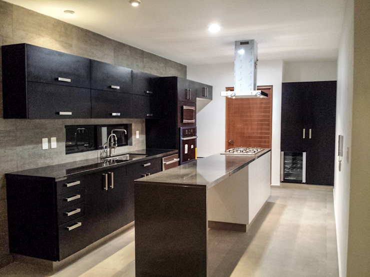 Minimalist kitchen by Estilo Homes Minimalist Wood-Plastic Composite