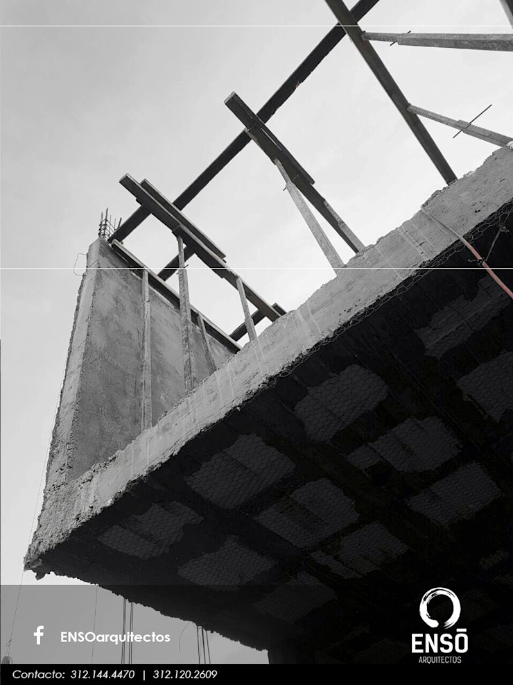 من Enso Arquitectos تبسيطي أسمنت
