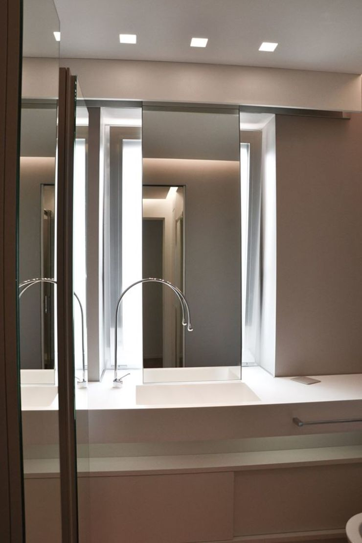 Modern style bathrooms by Architetto Valentina Longo Modern