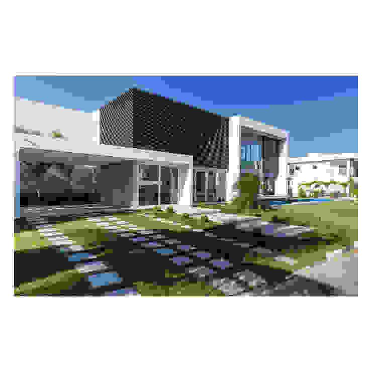 Casas de estilo  por Quattro Arquitetura