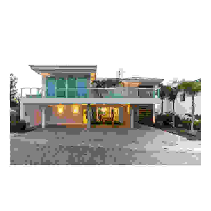 現代房屋設計點子、靈感 & 圖片 根據 Quattro Arquitetura 現代風