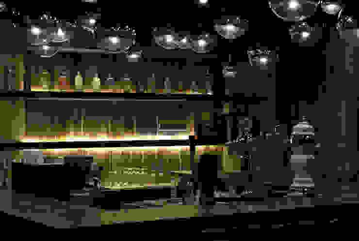 天津 星期8酒吧西餐廳 根據 直譯空間設計有限公司 古典風