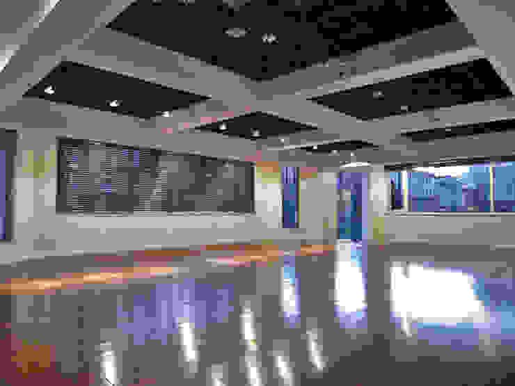 天津 格林園酒店舞蹈教室 根據 直譯空間設計有限公司 簡約風