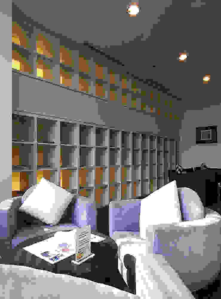 天津 格林園酒店閱覽室 根據 直譯空間設計有限公司 現代風