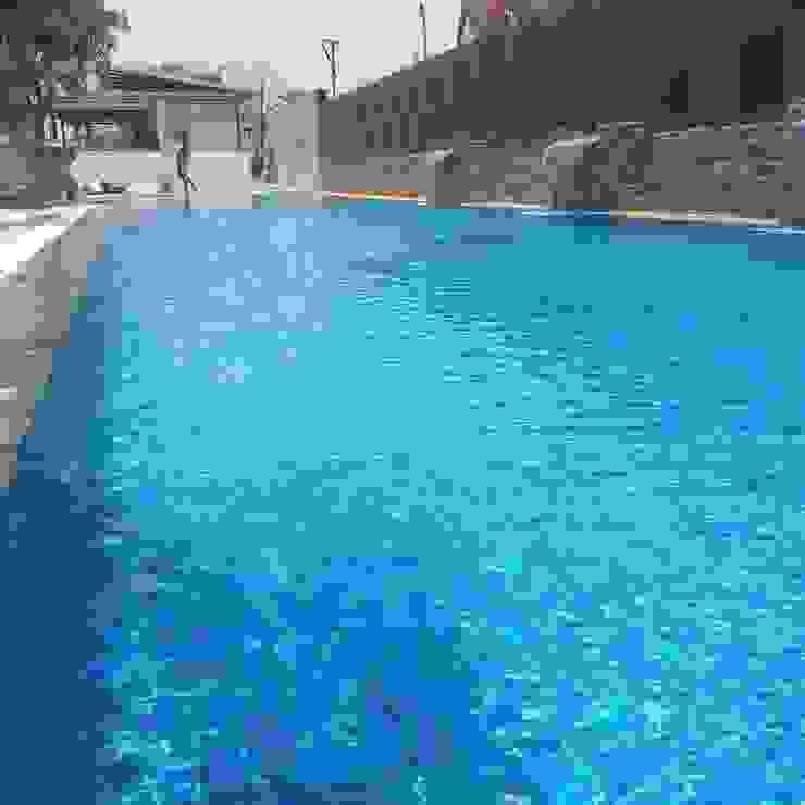 สระสโมสรหมู่บ้าน THE GRAND PATTAYA โดย Pakinswimmingpool