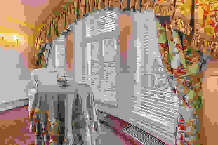 Classic style bedroom by Дизайн бюро Оксаны Моссур Classic