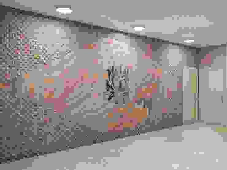 AAMRAPALI BHOGLE Ingresso, Corridoio & Scale in stile classico Arenaria Beige
