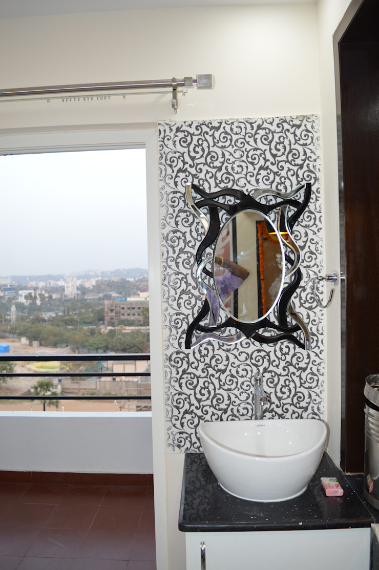 Ace Atlantis projects Modern dressing room by Heavenly Decor Modern Glass