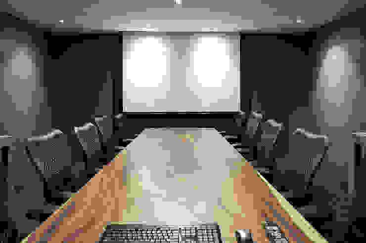 Meeting Room: modern  by HB Design Pte Ltd,Modern