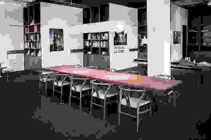 War Table: modern  by HB Design Pte Ltd,Modern