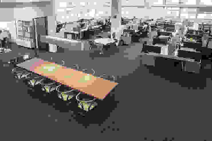 HB Design Studio Modern offices & stores by HB Design Pte Ltd Modern
