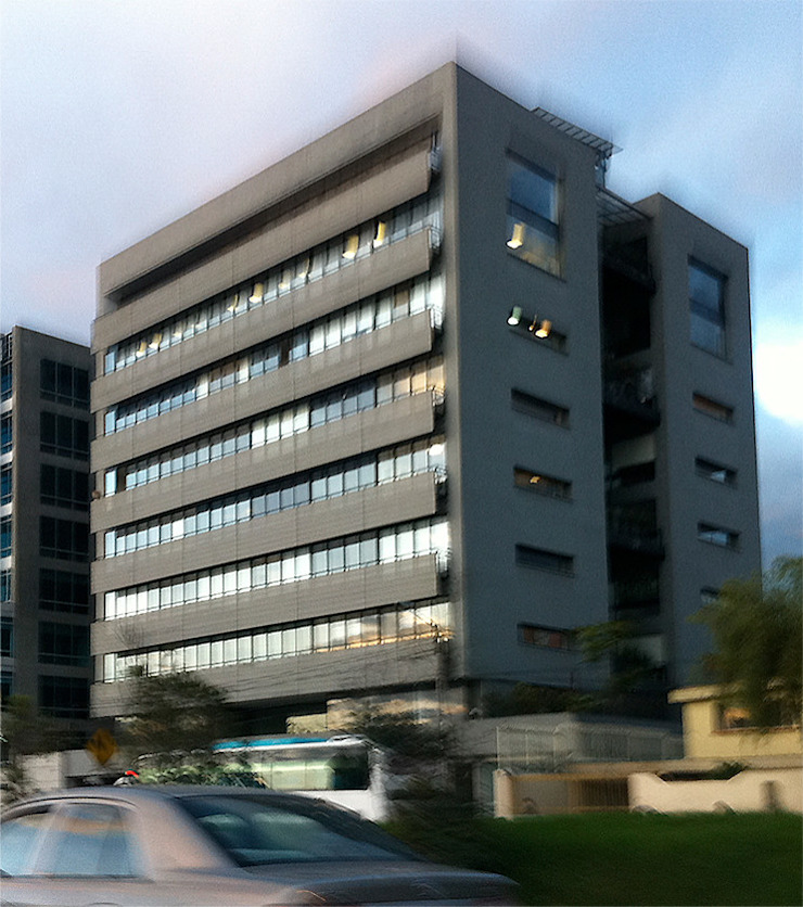 Edificio Logic 2 Paredes y pisos de estilo moderno de MRV ARQUITECTOS Moderno