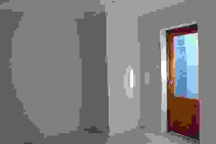 Dormitorios de estilo clásico de Covet Design Clásico