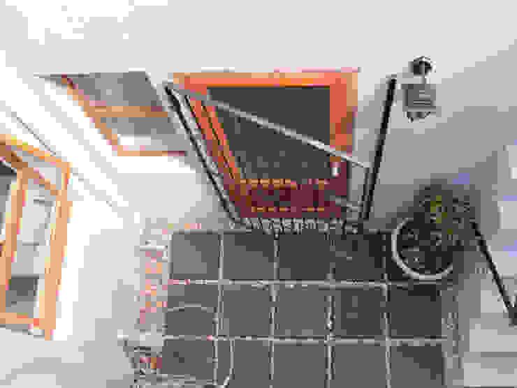 Balcones y terrazas clásicos de Covet Design Clásico