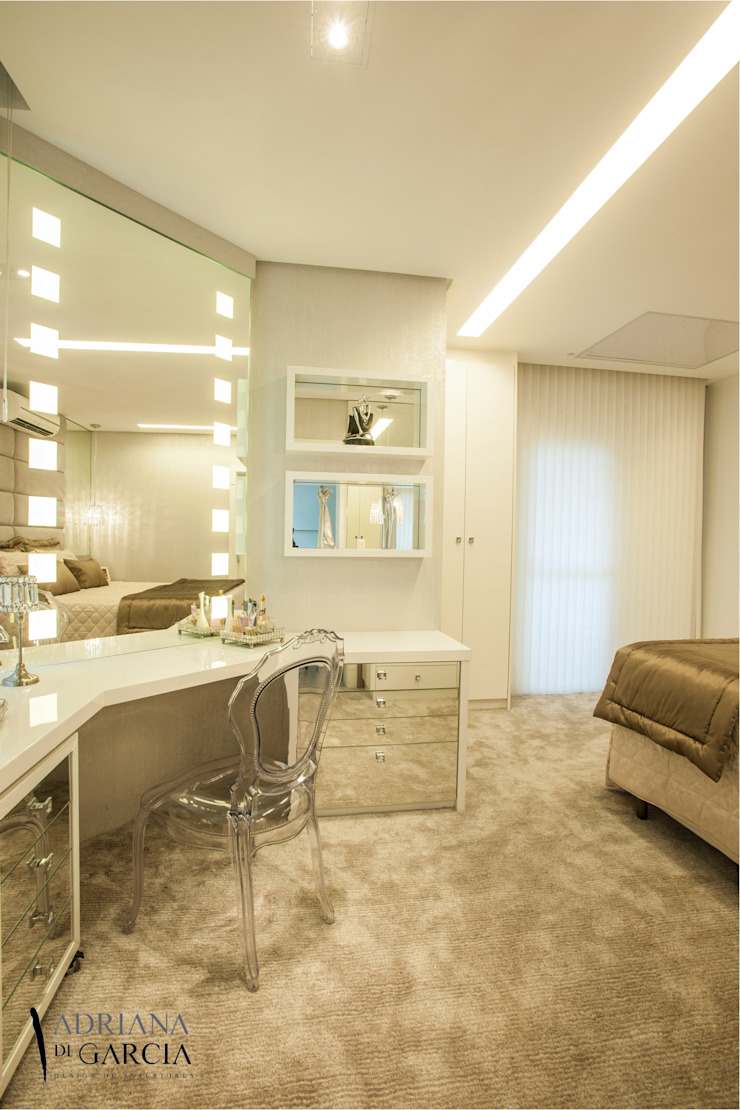 Modern Bedroom by Adriana Di Garcia Design de Interiores Ltda Modern