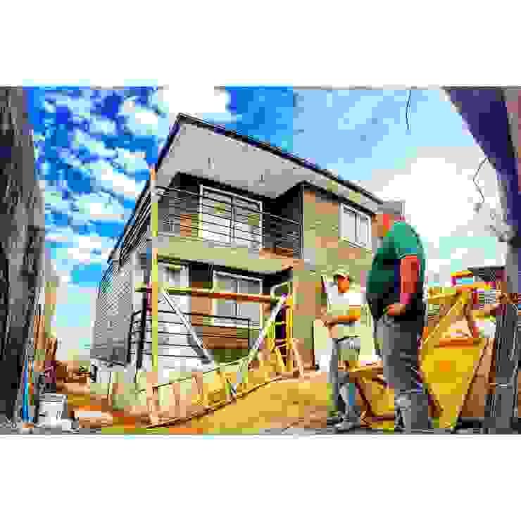 Modern houses by Rodrigo Chávez Arquitecto Modern