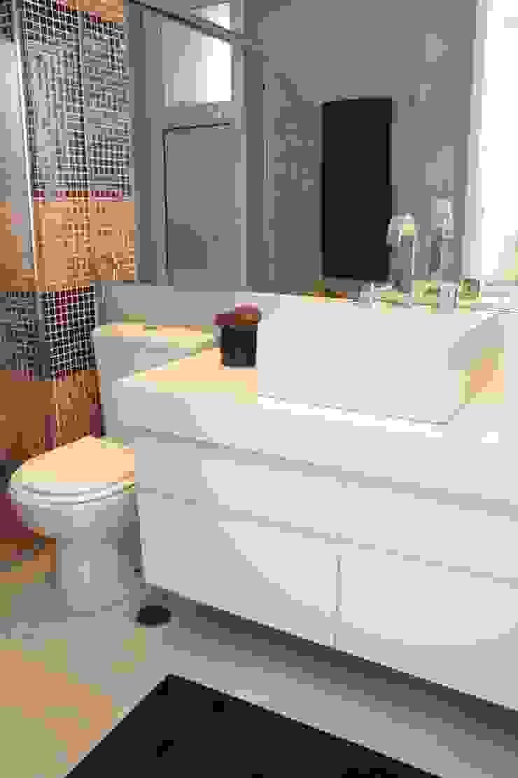 Projeto residencial Banheiros modernos por LX Arquitetura Moderno