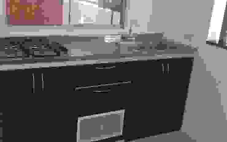 cocina Cocinas de estilo clásico de FARIAS SAS ARQUITECTOS Clásico Metal