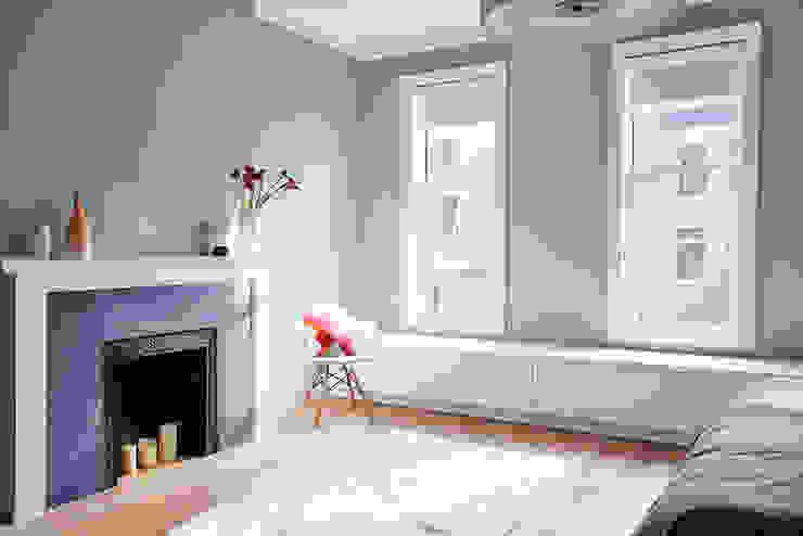 Modern style bedroom by Sarah Jefferys Design Modern
