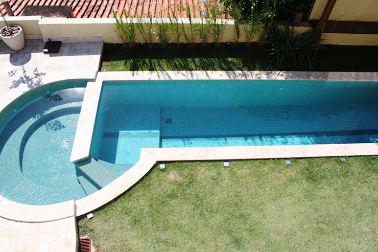 Piscinas de estilo rústico de Barros e Zanolini Arquitetura e construção Rústico