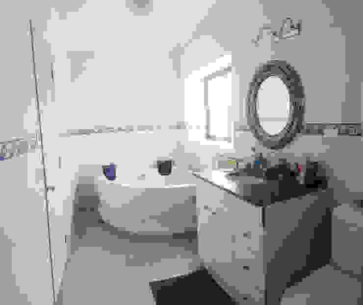 カントリースタイルの お風呂・バスルーム の Toledo estudio Arquitectos カントリー