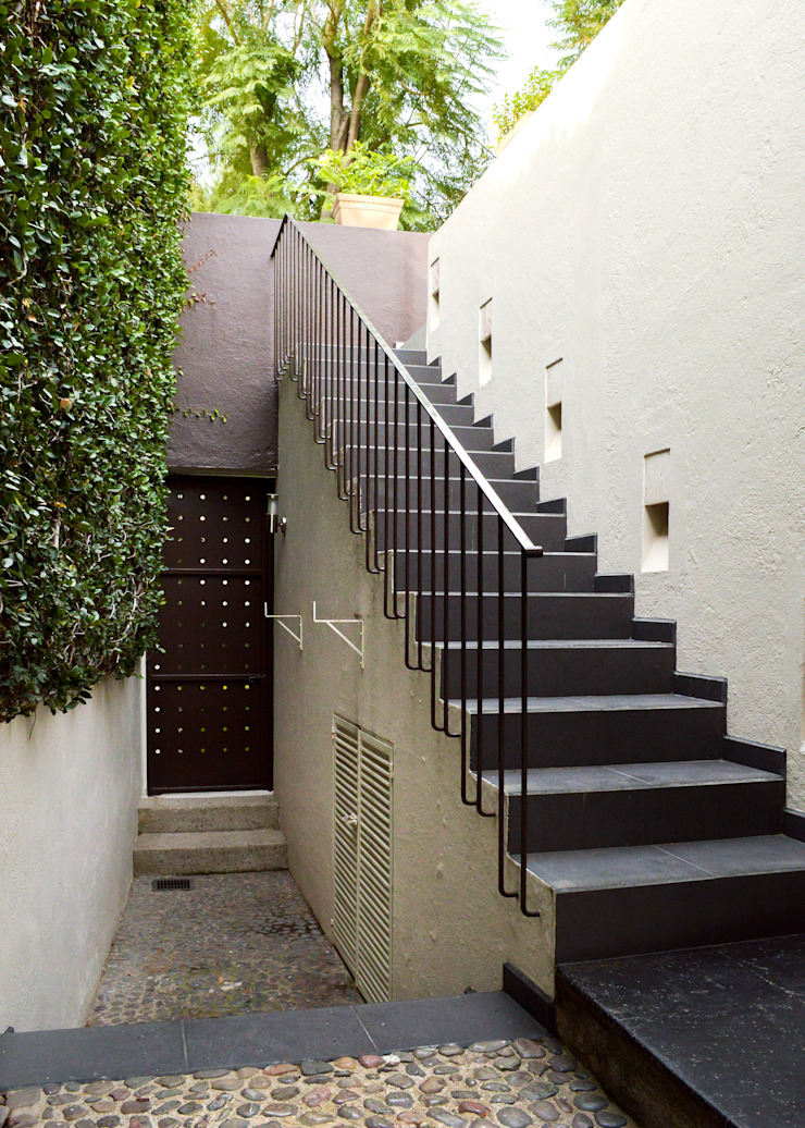 Modern garden by GHT EcoArquitectos Modern