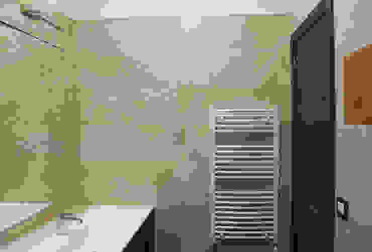 Modern style bathrooms by Arch. Rosalba Di Maio Modern