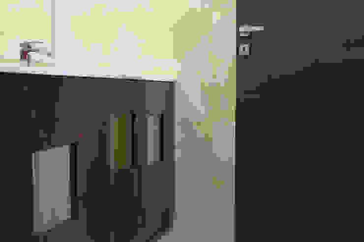 modern  by Arch. Rosalba Di Maio, Modern Wood Wood effect