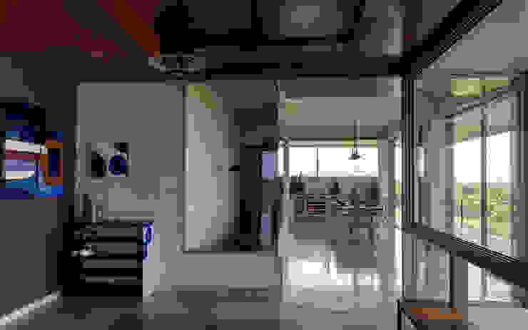Pasillos, vestíbulos y escaleras de estilo rústico de Inscape Designers Rústico