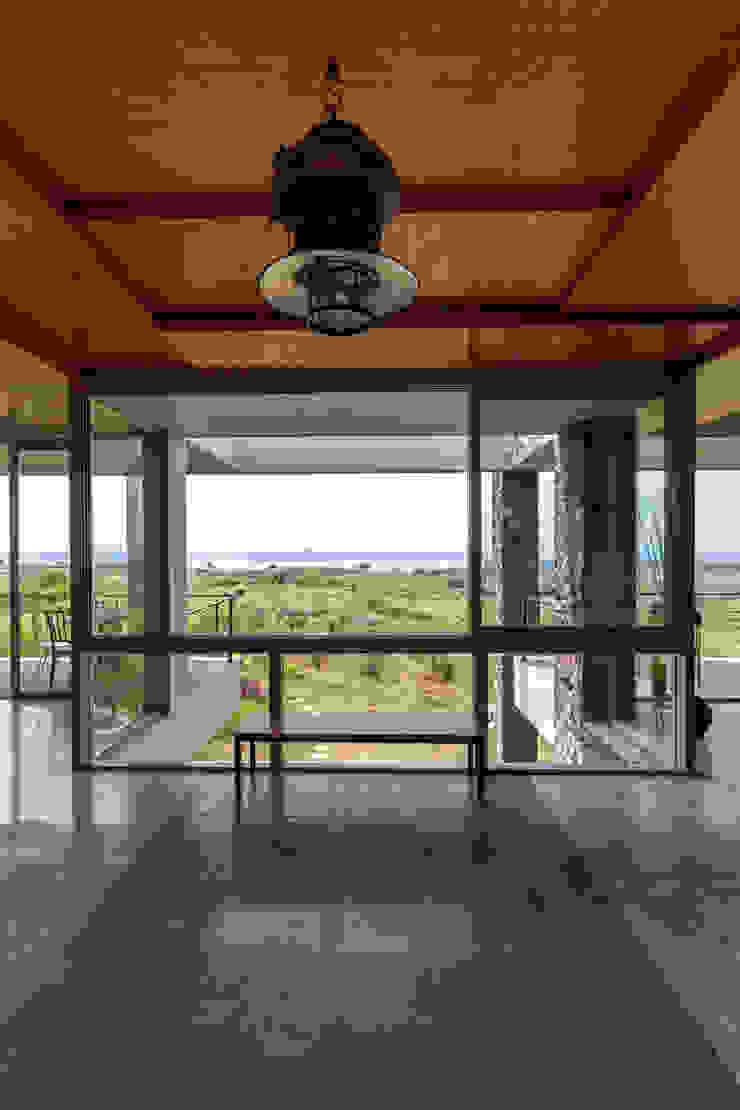 Puertas y ventanas de estilo rústico de Inscape Designers Rústico
