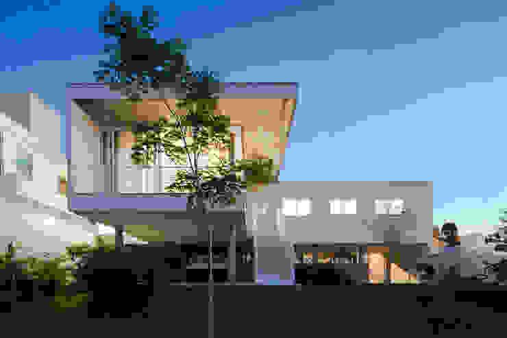 Casas estilo moderno: ideas, arquitectura e imágenes de Atelier Becker Moderno