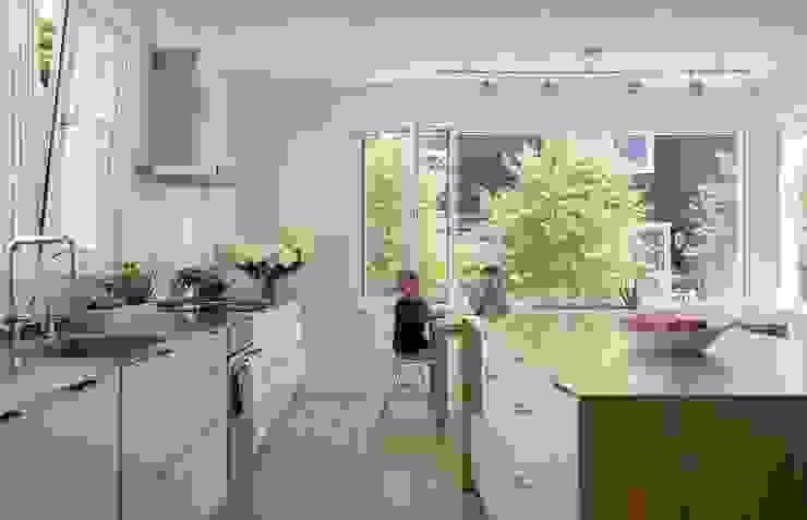 Kitchen Modern Kitchen by ZeroEnergy Design Modern