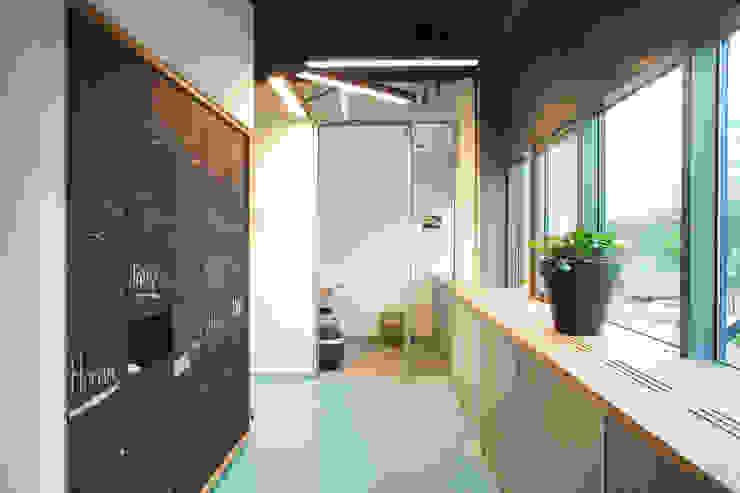Realisatie kantoor Science park Leiden Moderne kantoor- & winkelruimten van VAN SCHIE ARCHITECTEN Modern