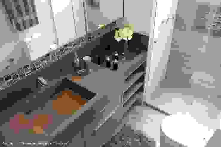 Salle de bain moderne par Angelica Hoffmann Arquitetura e Interiores Moderne