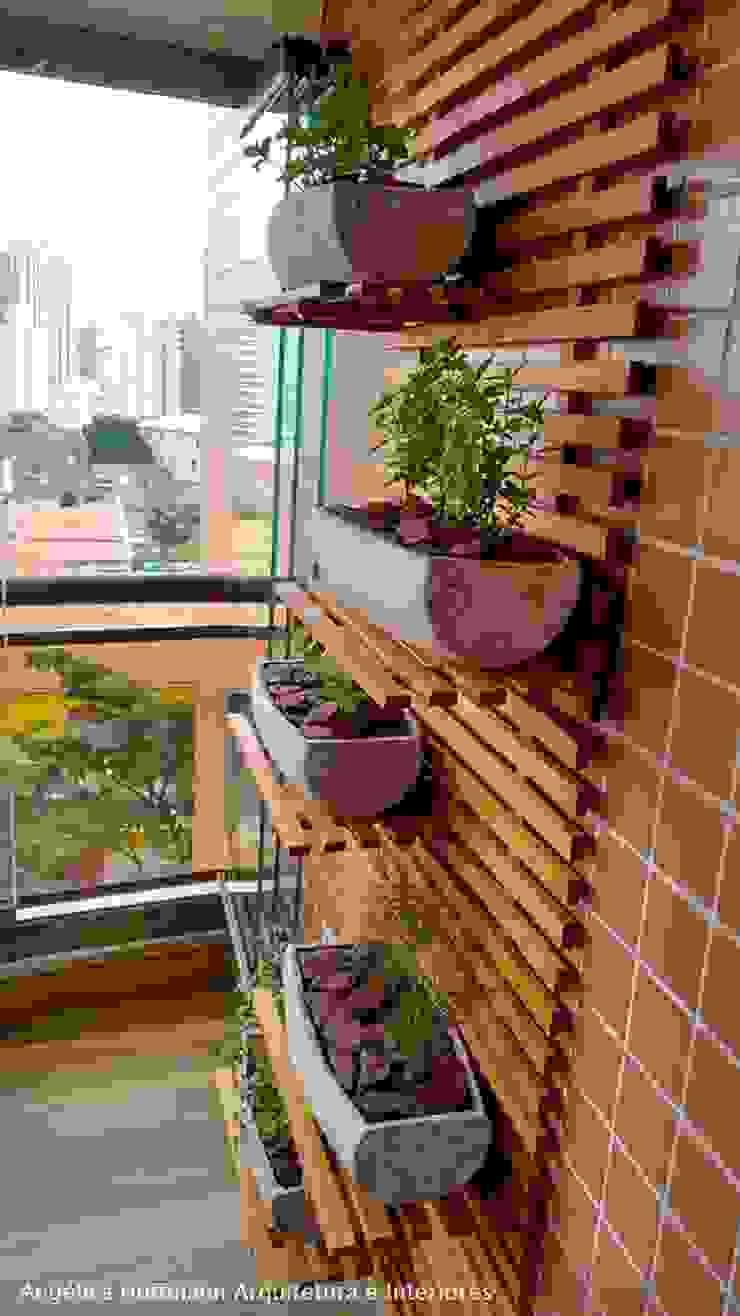Angelica Hoffmann Arquitetura e Interiores Balcone, Veranda & Terrazza in stile moderno