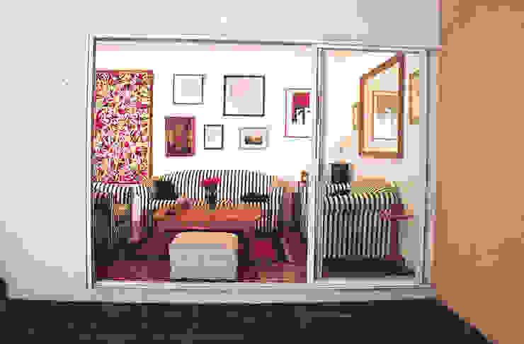 Casa Habitación Unifamiliar- Artes #44, Coyoacàn Salones modernos de PI Arquitectos Moderno