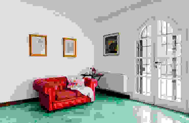 غرفة المعيشة تنفيذ MakeUp your Home , بحر أبيض متوسط
