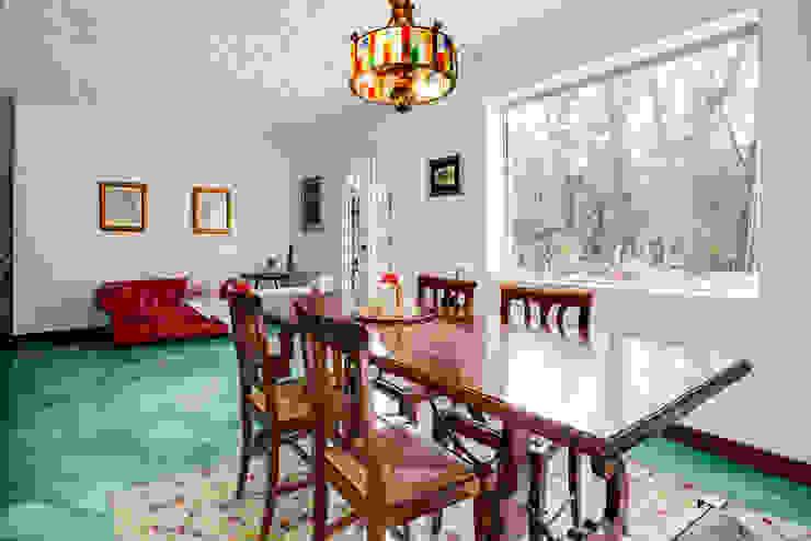 غرفة السفرة تنفيذ MakeUp your Home , بحر أبيض متوسط